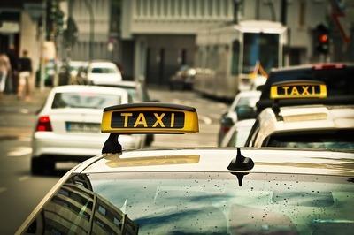 Ли подключиться к агрегаторам такси без лицензии